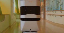 Robot mayordomo Tug de Aethon en Hospitales y hoteles