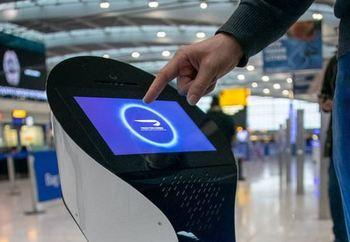 Robot asistente inteligente en el aeropuerto de Heathrow